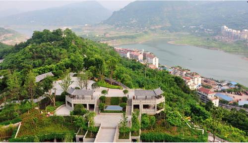 重庆园林 >> 浅谈云阳龙脊岭生态文化长廊景观设计  上部广场位于磐石